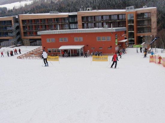 Wellness Hotel Vista: from th ski slope