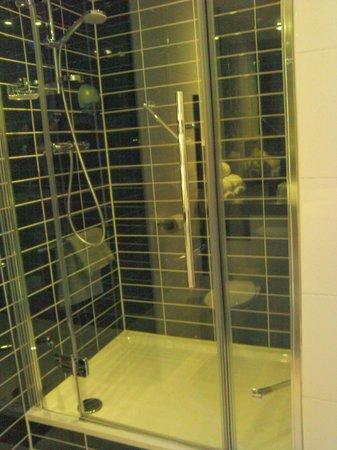 Holiday Inn Express Amsterdam - South : superbe douche toute neuve