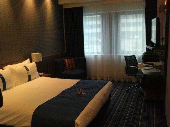 Holiday Inn Express Amsterdam - South : La chambre au Rdc