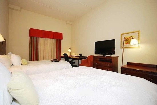 Hampton Inn & Suites Lamar : Double Queen Beds