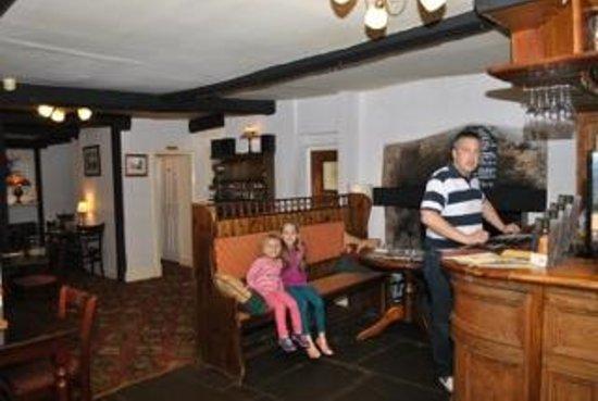 Dragon Inn Crickhowell: Dragon inn Family Bar Area