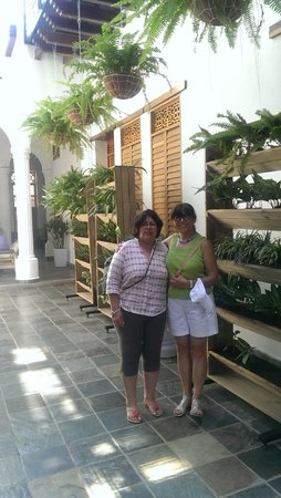 Casa de Leda - a Kali Hotel: My wife on the righ and her sister