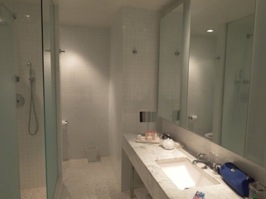 The London NYC: Bathroom