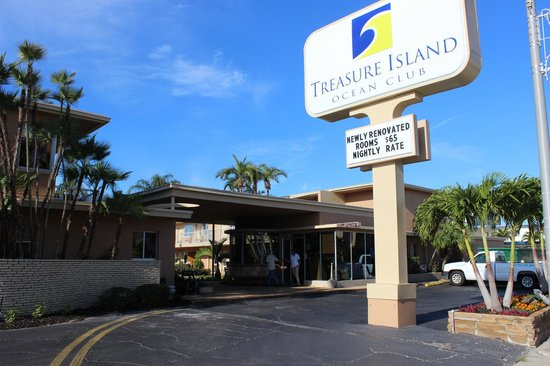 Treasure Island Ocean Club: Front Entrance