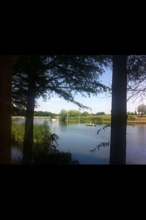 Casa Comana lake! Beatiful nature!