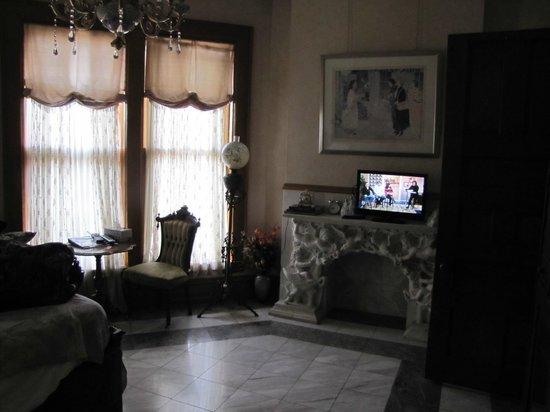 Henderson Castle Inn: French Room