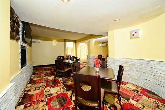 Comfort Inn & Suites East Hartford: Dining area
