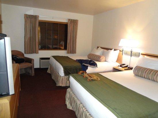 Canyon Plaza Resort: stanza