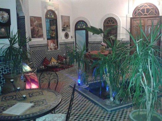 Dar tahrya : great courtyard
