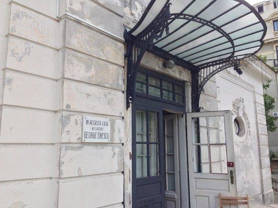 """George Enescu Museum (Muzeul George Enescu): """"George Enescu"""" Memorial House"""