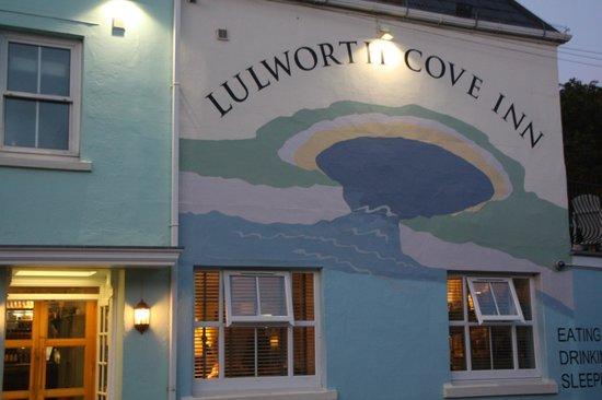 Lulworth Cove Inn: Lovely atmosphere in a lovely area