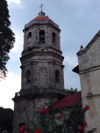 San Guillermo de Aquitana Church: The beautiful church in Dalaguete was temporarily closed because of its cracks during the 7.2 Ma