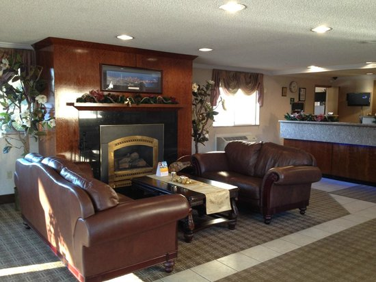 Comfort Inn Kirkland: Lobby