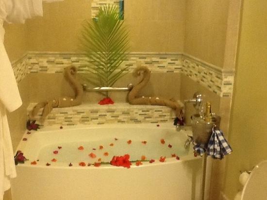 Sandals Ochi Beach Resort: bath time
