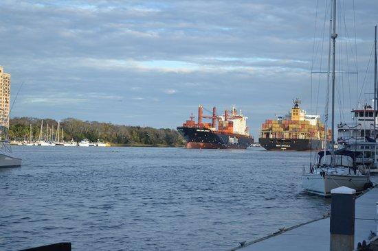 River Street Savannah: Ships Passing