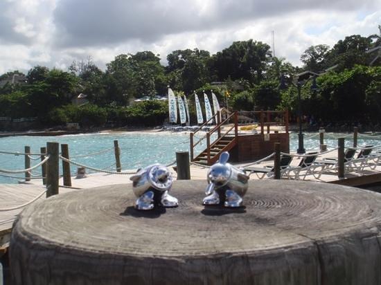Sandals Ochi Beach Resort: view from pier