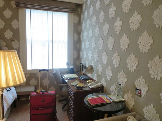 The Montague on The Gardens: Another view of single room