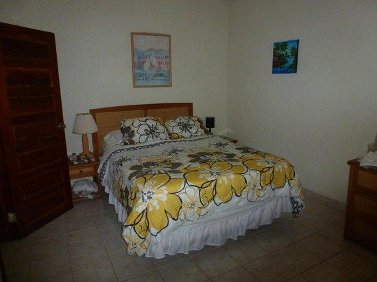Exotic Caye Beach Resort: Comfortable Bedroom