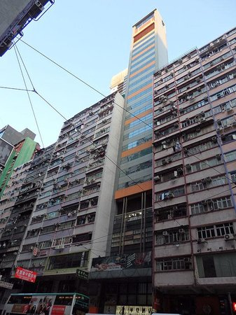 Walden Hotel: とても細長く不思議な建て方。各階3部屋しかない。