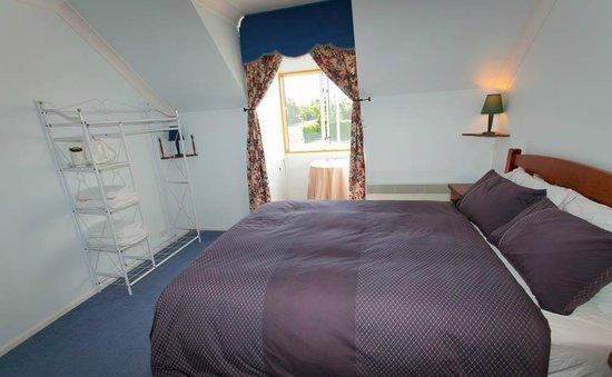 Skibo house B&B : queen bedroom