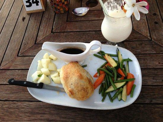 Vaima Polynesian Bar and Restaurant: Beef Wellington