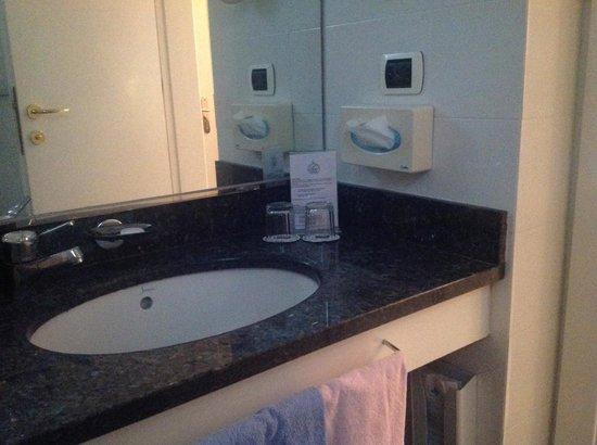 Rivoli Boutique Hotel: banheiro
