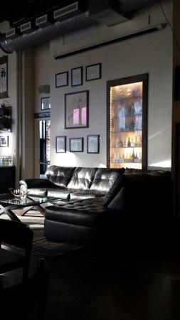 Blue Kudzu Sake Company: Awesome lounge area.