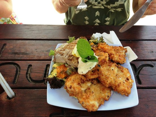 The Mooring: Breaded mahi-mahi and tuna combo salad