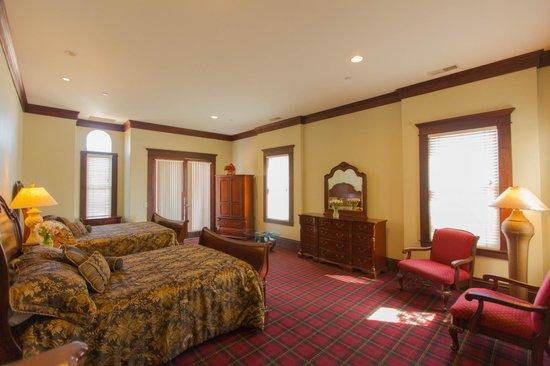Santa Paula Inn : Guest Suite 16