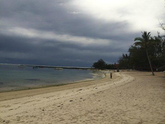 Ambre Resort : Beach