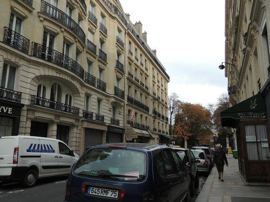 Perreyve Hotel : Street view