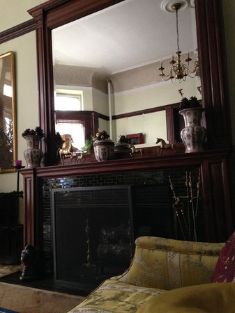 Mount Morris House: The front parlor is full of antiques and artwork