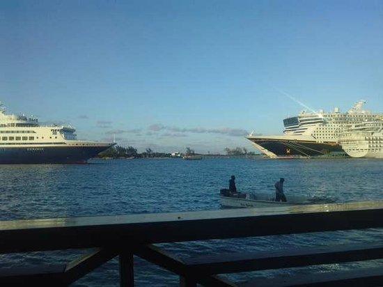 British Colonial Hilton Nassau: Vista de cruceros desde el hotel