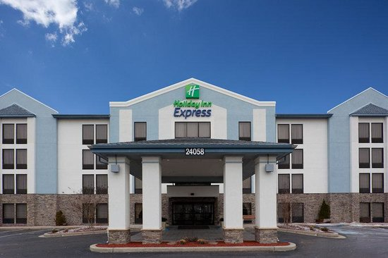 Holiday Inn Express Seaford-Route 13: Now that you see the exterior come see the interior.