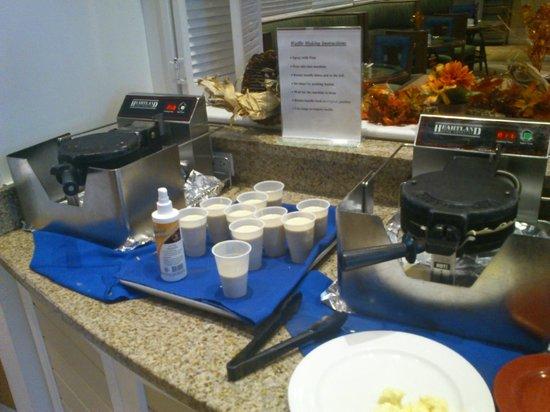 DoubleTree by Hilton Hotel Grand Key Resort - Key West: Waffle no café da manhã