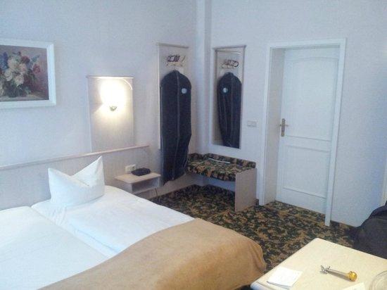 Hotel Villa Antonia: Eingangsbereich Zimmer