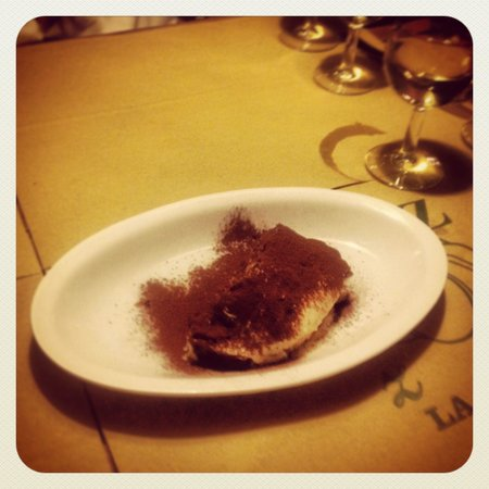 La Zucca: Excellent tiramisu della casa! Very friendly stuff, real italian food and fresh ingredients! Rea