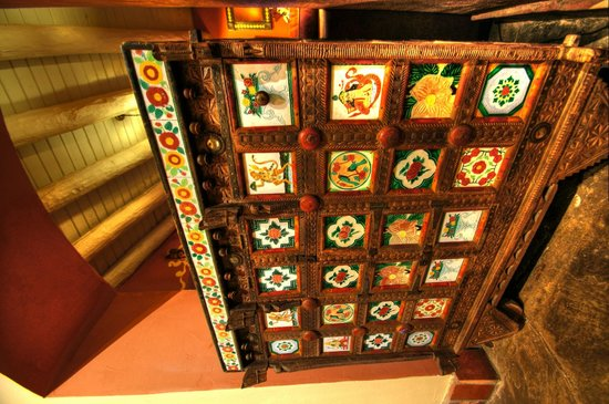 La Posada Hotel: Ornate cabinet