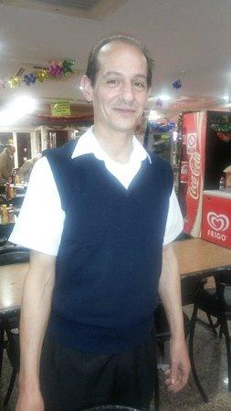 Snack Bar Mariano's: El camarero mas simpatico que he conocido en mi vida