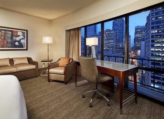 The Westin Seattle: King Deluxe City View Room