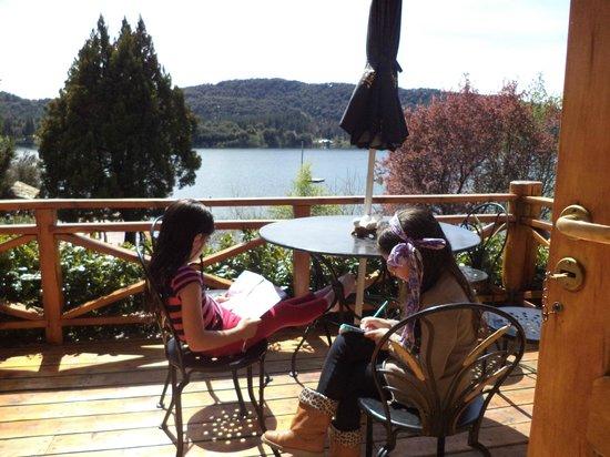 Cabanas Puerto Pireo: balcon de la cabaña