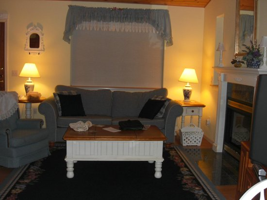 A Hidden Haven Bed and Breakfast: Living Room