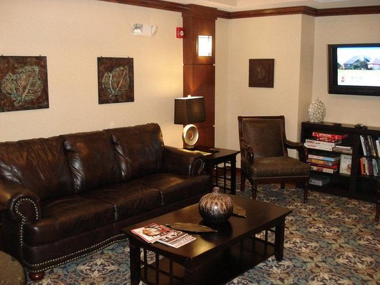 Staybridge Suites Rogers-Bentonville: Guest Library & Game Room