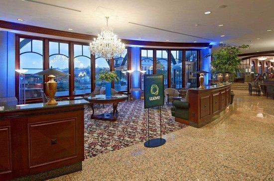 Hotel Grand Pacific: Hotel Lobby