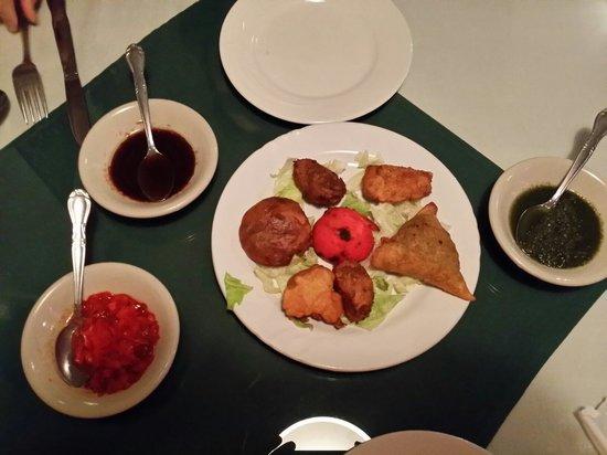 Situl Indian Restaurant: Combination appetizer