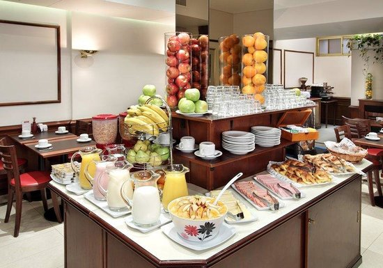 Waldorf Hotel: Buffet Breakfast