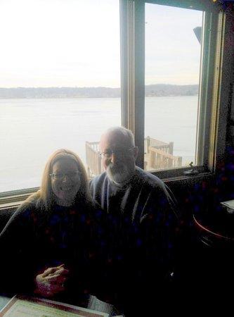 Mars Resort Restaurant & Bar : Lake Como right behind us. Beautiful view!