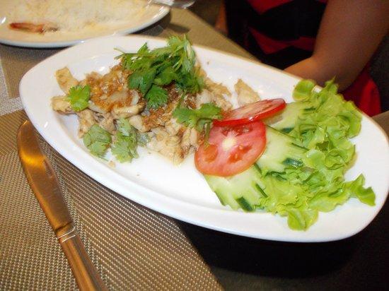 LK The Empress: Gai pad gratiem prik thai or Garlic and pepper chicken. Very good!