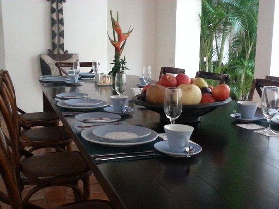 Hotel Quadrifolio : mesa do café da manhã