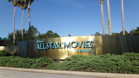 Disney's All-Star Movies Resort : Entrada al hotel